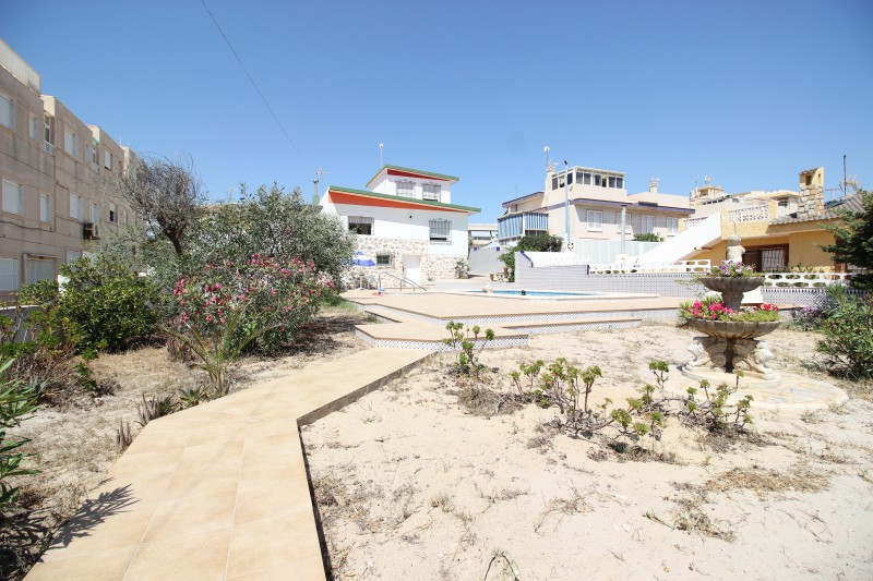 CHALET - GUARDAMAR DEL SEGURA - COSTA BLANCA in Nexus Grupo