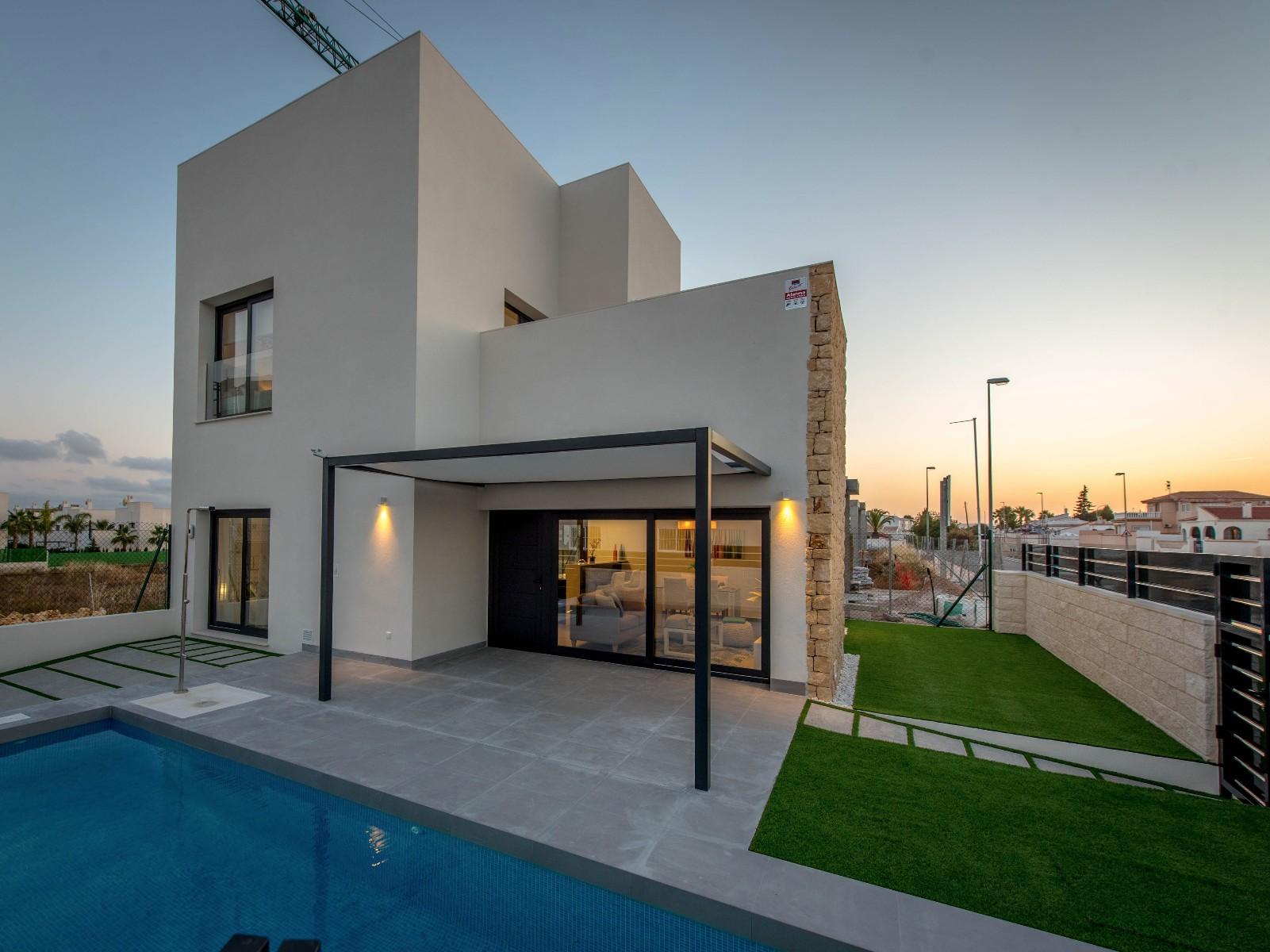 Luxury single family villas in Nexus Grupo