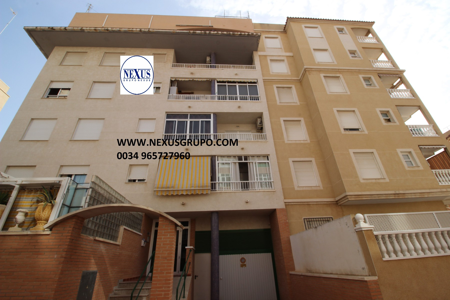 Grupo Nexus Real Estate Agency sells an apartment close to Mas y Mas supermarket. in Nexus Grupo