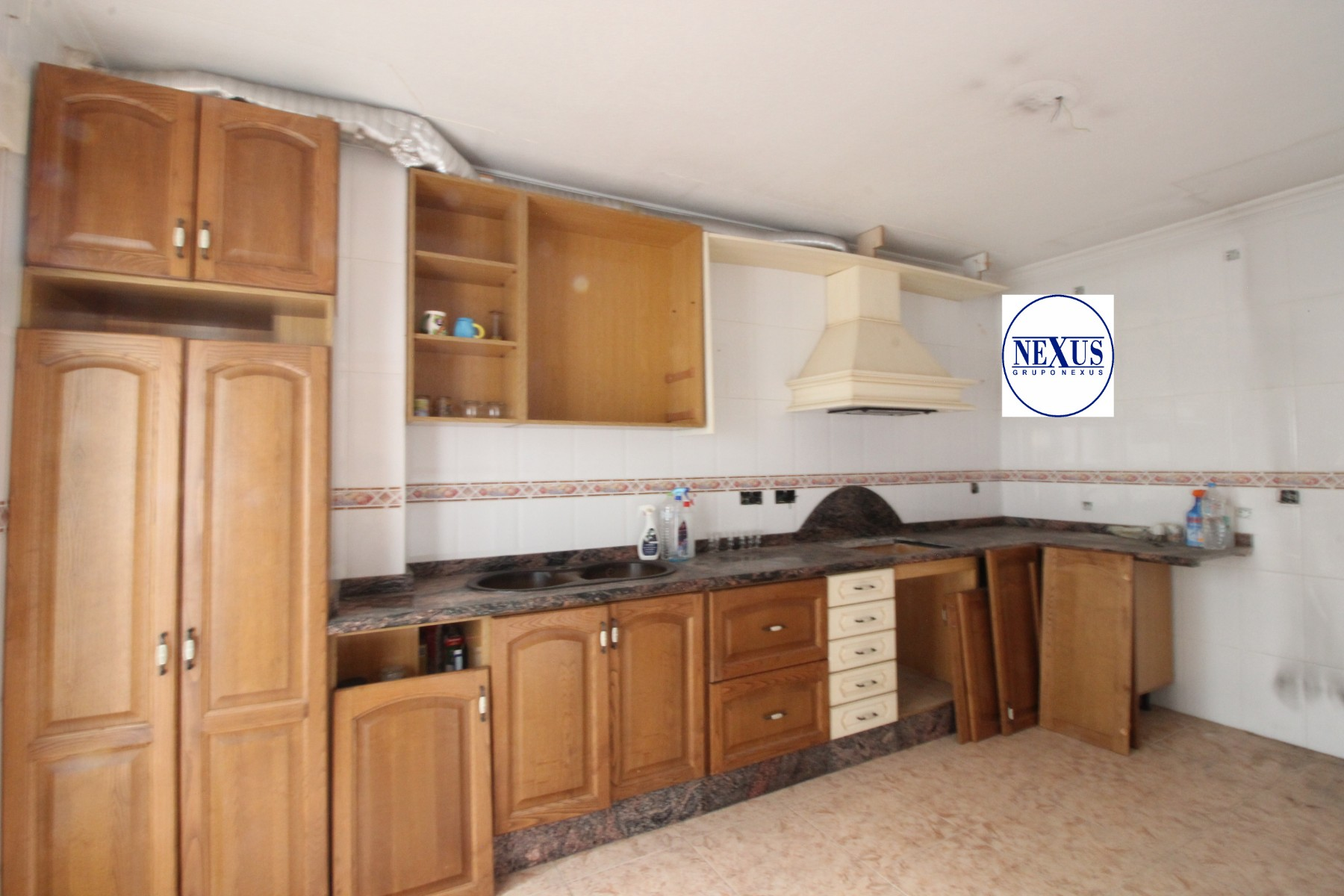 Inmobiliaria Grupo Nexus Sells excellent townhouse in the center of Benijofar in Nexus Grupo